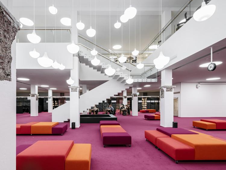 Aalto University Library - Harald Herlin Learning Centre / JKMM, © Tuomas Uusheimon