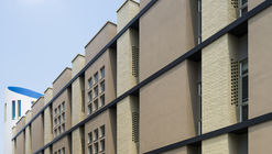 Brick Passive Designed University / Taisei Corporation