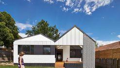 Hip & Gable House / Architecture Architecture