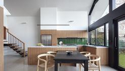 Kingsville Residence / Richard King Design