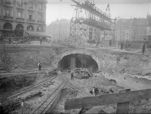 """During the first construction phases, tracks were dug just below street level. Via <a href=""""https://commons.wikimedia.org/wiki/File:Paris_Metro_construction_03300288-3.jpg"""">National Library of France</a> licensed under Public Domain. Image Courtesy of National Library of France"""