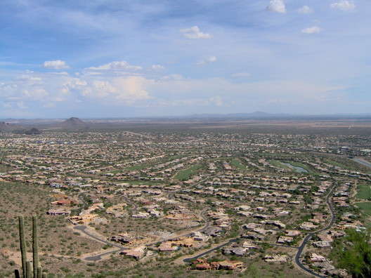 Scottsdale, Arizona. Image <a href='https://commons.wikimedia.org/wiki/File:Scottsdale_cityscape4.jpg'>via Wikimedia</a> in public domain