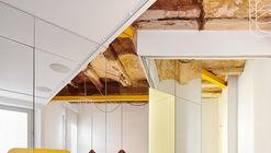 Parlament19 Apartment  / Miel Arquitectos + STUDIO P10