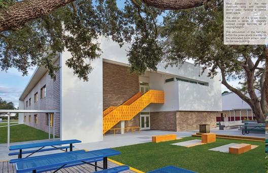 Educational (K-12): Fruitville Elementary School Classroom Building Addition – Sarasota, Florida. Image © Ryan Gamma, Sweet Sparkman Architects