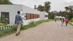 Centro de Maternidad Woldyia / Vilalta Arquitectura