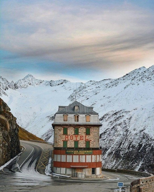 Hotel Belvédère near the Rhône Glacier, Switzerland. Image <a href='http://ift.tt/2v1RiFQ Reddit user pierreor</a>