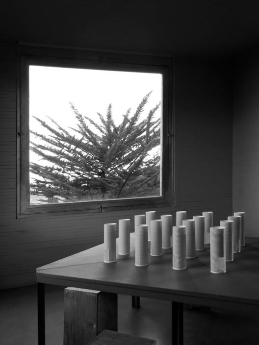 Pezo von Ellrichshausen, Hull pavilion, Hull, UK, 2017 (1:25 scale model, printed paper, 100 x 100 x 24 cm, 2017). Image Courtesy of RIBA