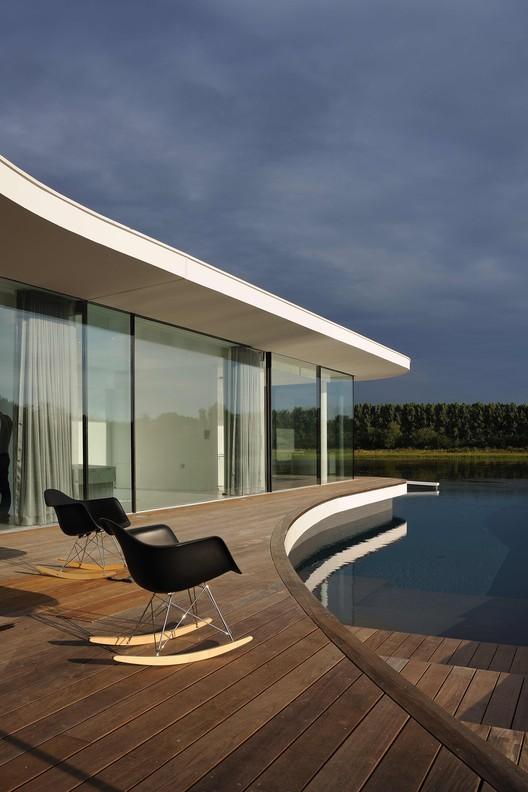 White Snake House / Pierre Minassian architecte + AUM ...