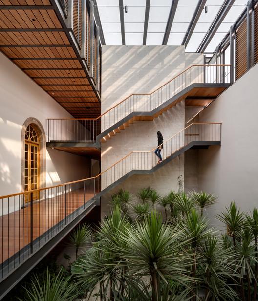 Deans Building School of Commercial Banking, Juárez, Mexico City, 2015. Image Courtesy of Taller de Arquitectura Mauricio Rocha + Gabriela Carrillo