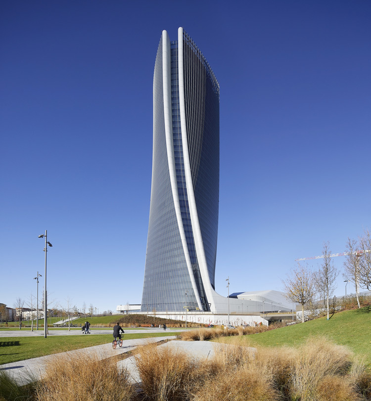 Generali Tower / Zaha Hadid Architects, © Hufton + Crow