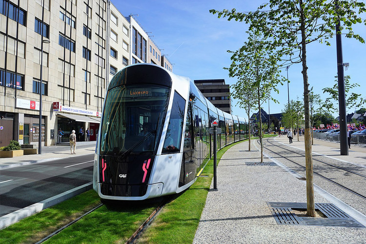 Luxembourg Becomes First Country to Make All Public Transit Free, Luxembourg Tram. Image via Creative Commons