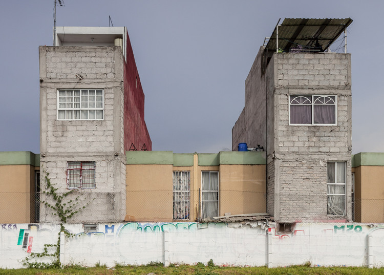 "Photographer Documents ""Non-Social Interest"" Housing in Mexico City's Peripheries, © Zaicks Moz"