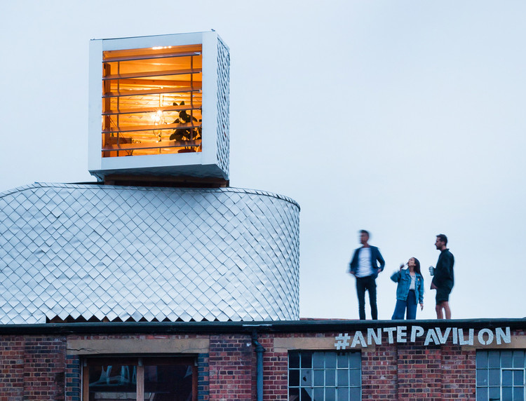 The Sky is the Limit: 26 Projects that Take Full Advantage of Rooftop Space, © Jim Stevenson