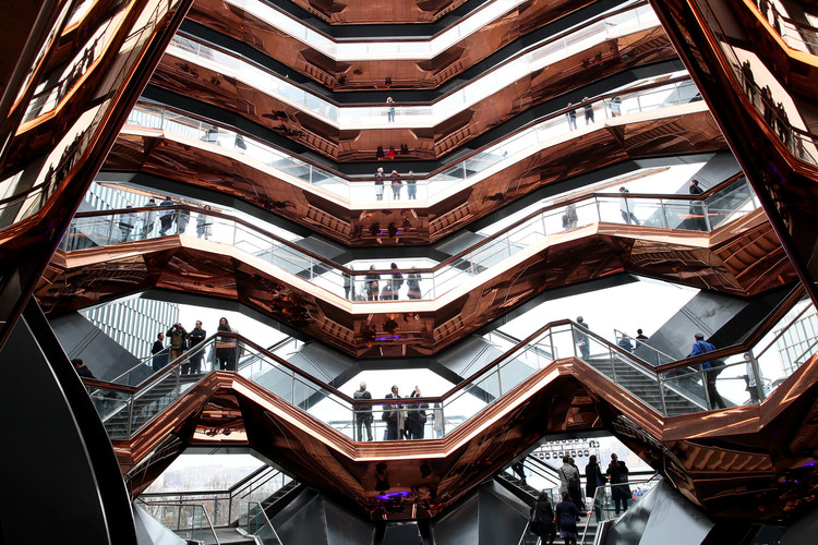 Heatherwick and MAD on Innovation in Architecture , Vessel Public Landmark - Heatherwick Studio. Image Courtesy of Getty Images