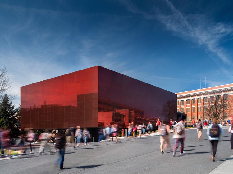 The Jordan Schnitzer Museum of Art  / Olson Kundig, © Nic Lehoux