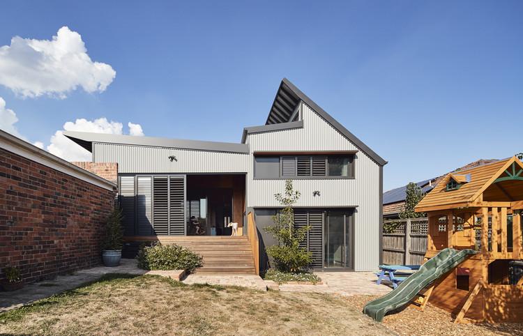 Glen Iris House / PHOOEY Architects, © Peter Bennetts
