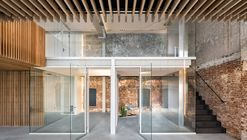 Converted Warehouse ZZ21 / FIRM architects