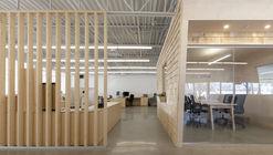 Les Éditions Passe-Temps Offices / Quinzhee Architecture