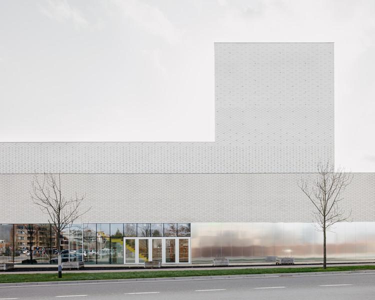 Leietheater Deinze Theatre / TRANS architectuur I stedenbouw & V+, © Stijn Bollaert