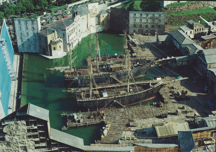 "Luca Tranchino: ""Production Design Uses The Same Language as Architecture"", Gangs of New York:  Back-Lot Set Construction, (at Cinecittà Studios, Rome), for Gangs of New York (2002), directed by Martin Scorsese, Art Direction by Luca Tranchino, Production Design by Dante Ferretti.. Image Courtesy of Luca Tranchino"