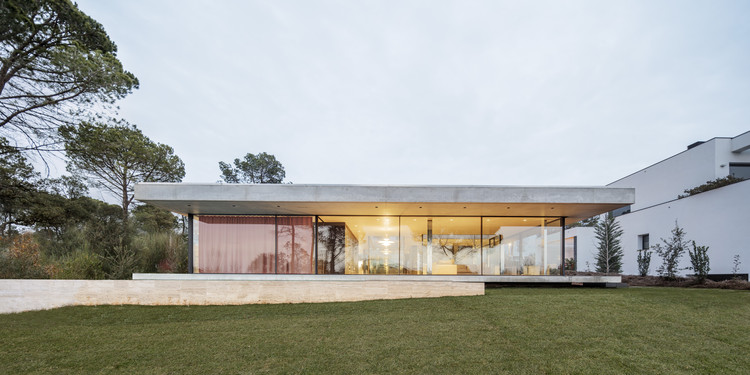 Sesom Villa / Jaime Prous Architects, © Adrià Goula