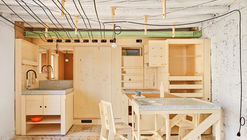 Alfondac Community Warehouse and Guest Housing for Travelers / Aixopluc