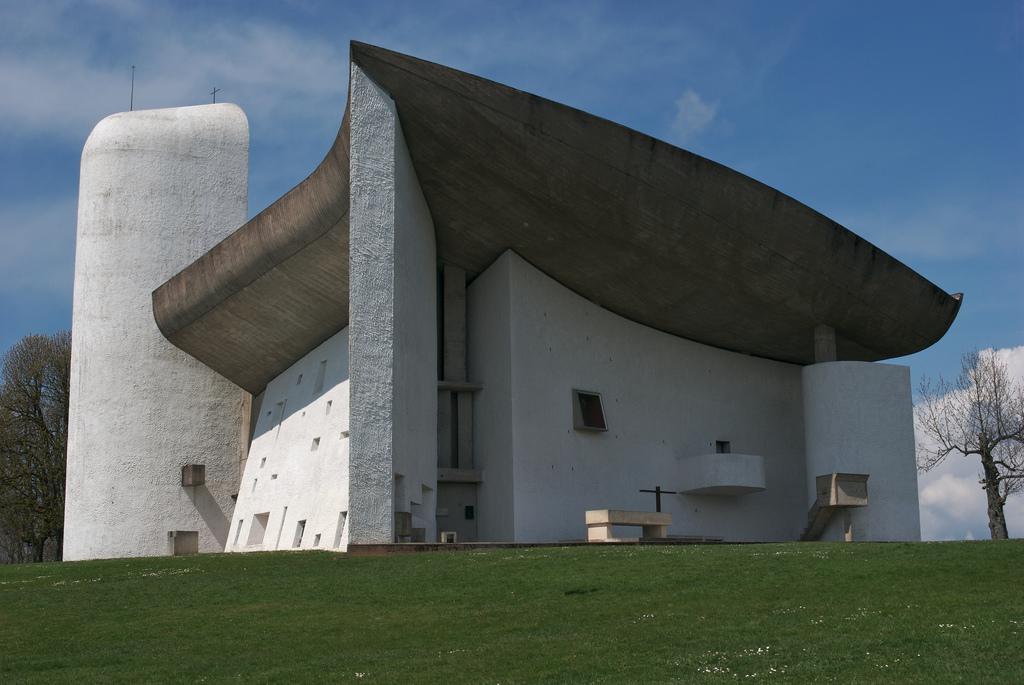 Clássicos da Arquitetura: Capela de Ronchamp / Le Corbusier, © Luke Stearns