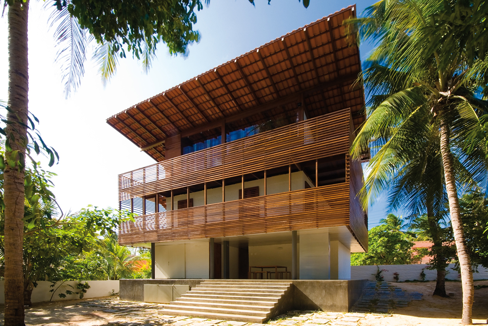 Casa Tropical / CAMARIM ARQUITECTOS, © Nic Olshiati