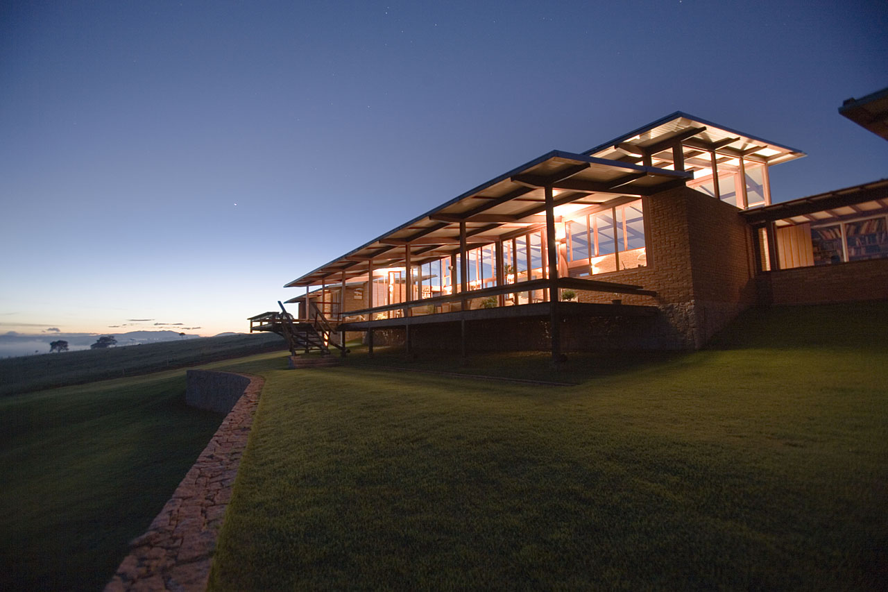 Casa em Morungaba / Base 3 Arquitetos, Carlos Kipnis