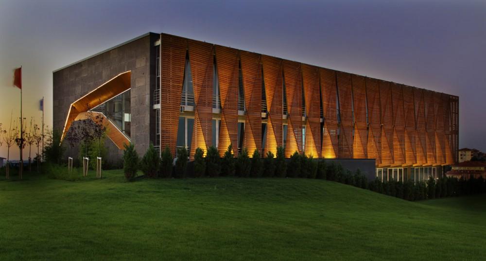 Edifício Comercial em Istambul / Tago Architects, © Gürkan Akay