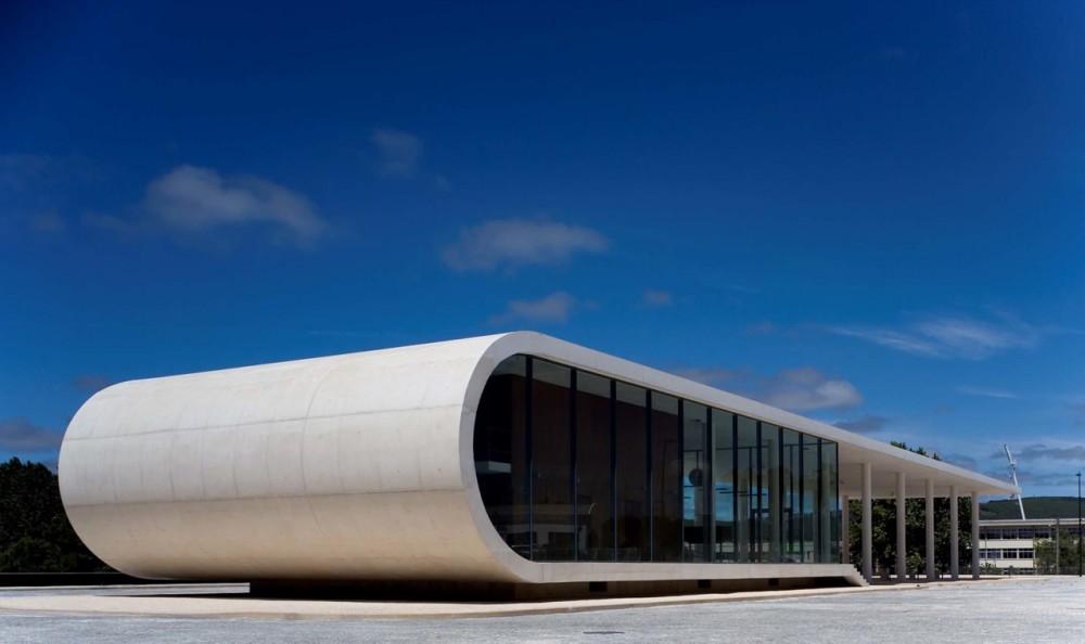 Terminal Rodoviário em Rio Maior / Domitianus Arquitectura, © FG+SG – Fernando Guerra, Sergio Guerra