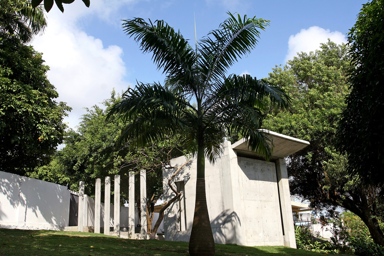 Memorial do Holocausto – Cemitério Israelita /  Sergio Kopinski Ekerman, Fachada Sul e Leste - © Léo Azevedo