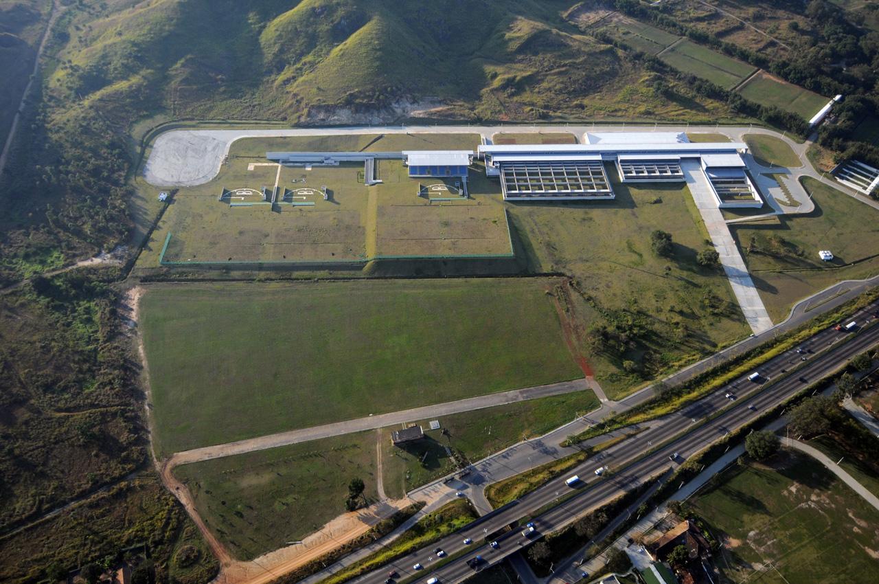 Complexo Esportivo de Deodoro / BCMF ARQUITETOS, CTE - Vista aérea - ©  Bruno Carvalho