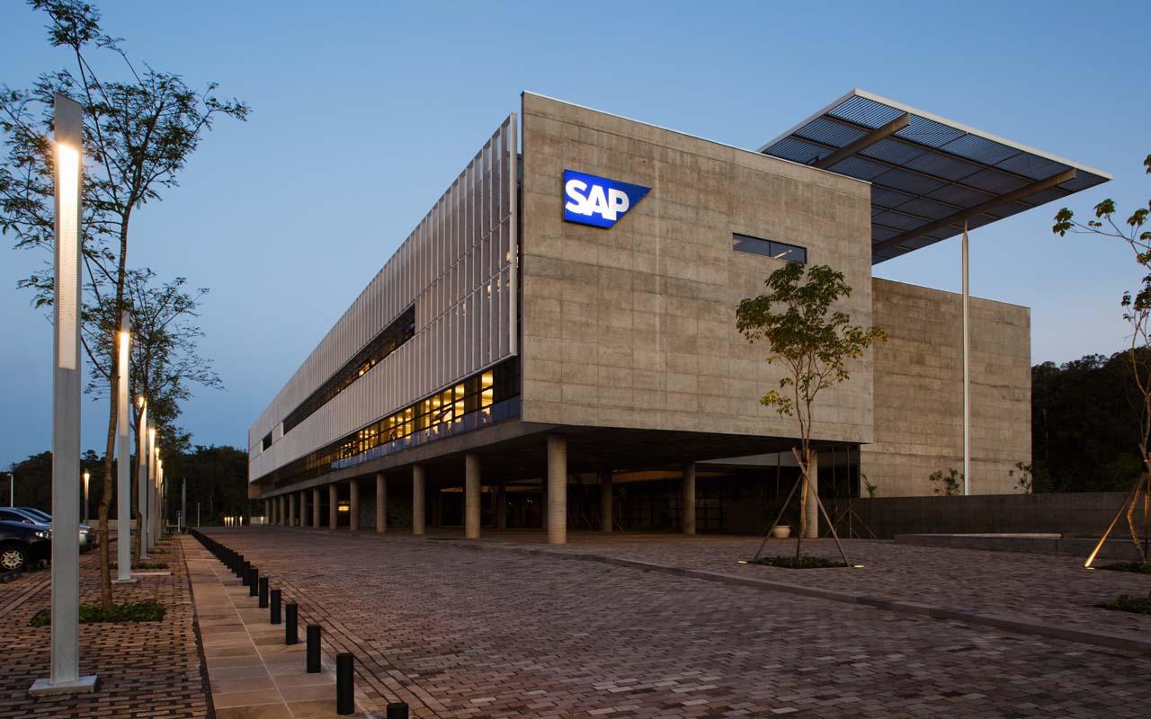 SAP Global Service Center / Eduardo de Almeida, Shundi Iwamizu Arquitetos Associados, ©Nelson Kon
