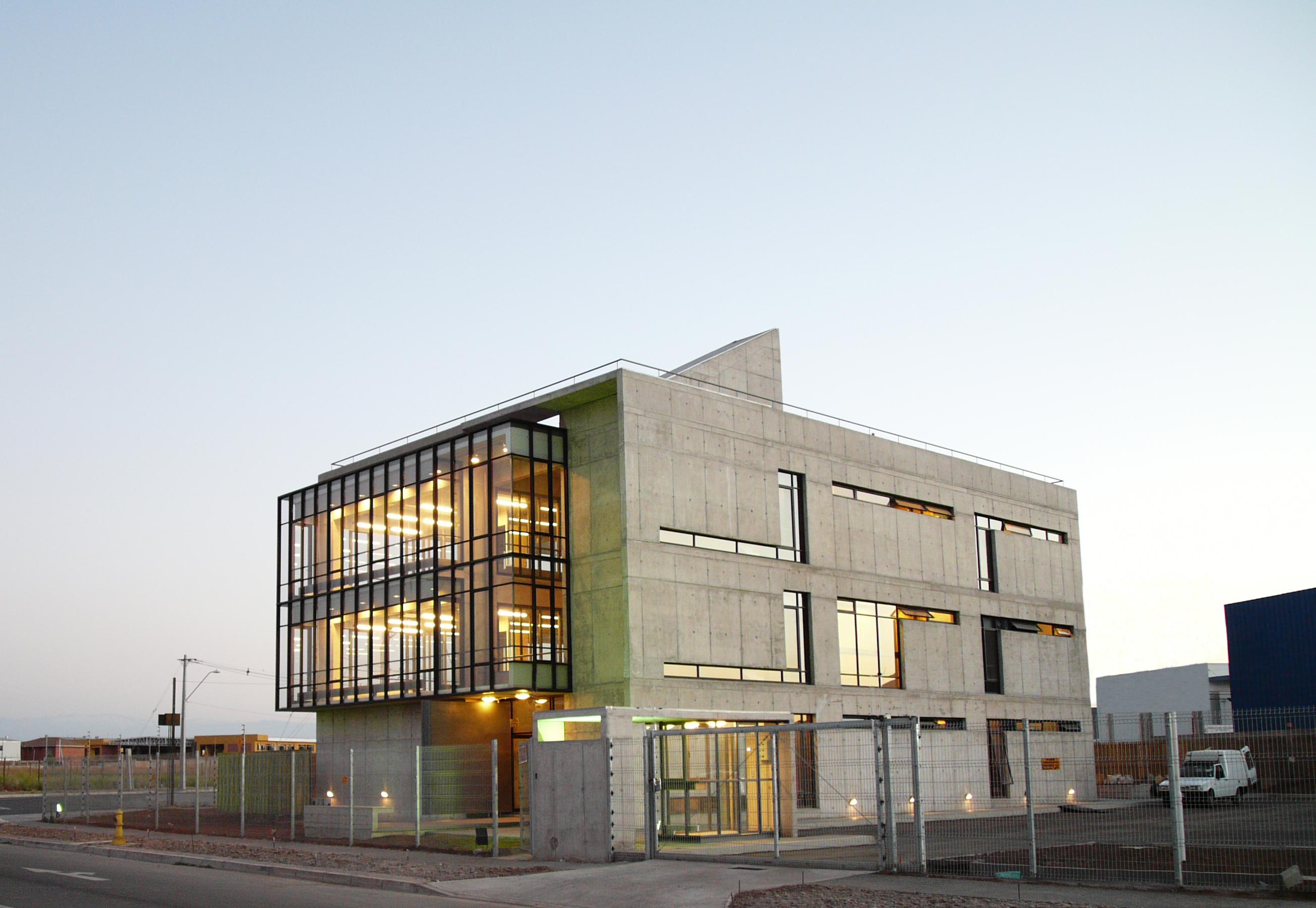 Edifício Corporativo SERINFO / +arquitectos, © + arquitectos
