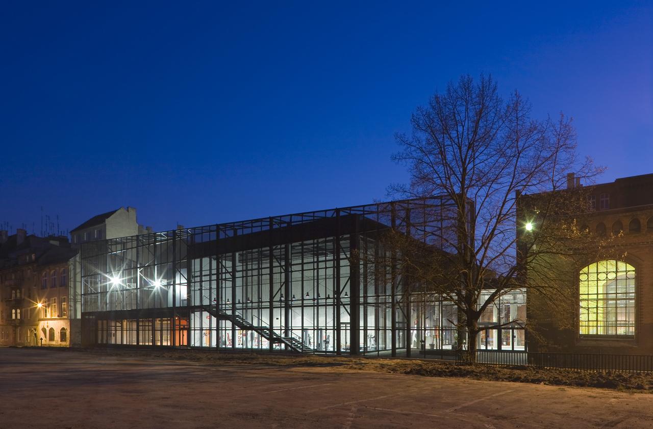 Complexo Esportivo en Wroclaw / Major Architekci, © Daniel Rumiancew