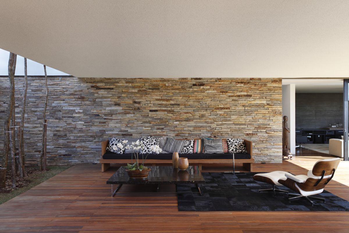 Galeria de SN House / Studio Guilherme Torres