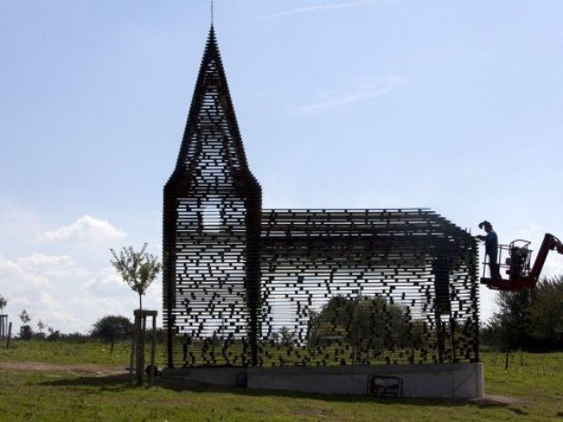 "Arquitetos belgas constroem ""igreja transparente"" / Borgloon-Heers  - Bélgica, ©  Kristof Vrancken/Z33/Reprodução"