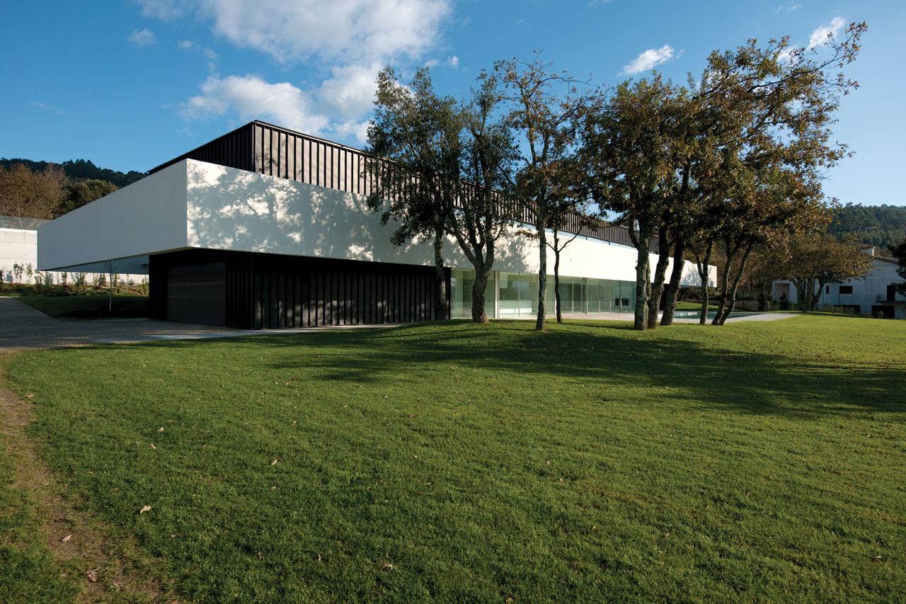 Casa em Bom Jesus / Topos Atelier de Arquitectura, © Xavier Antunes