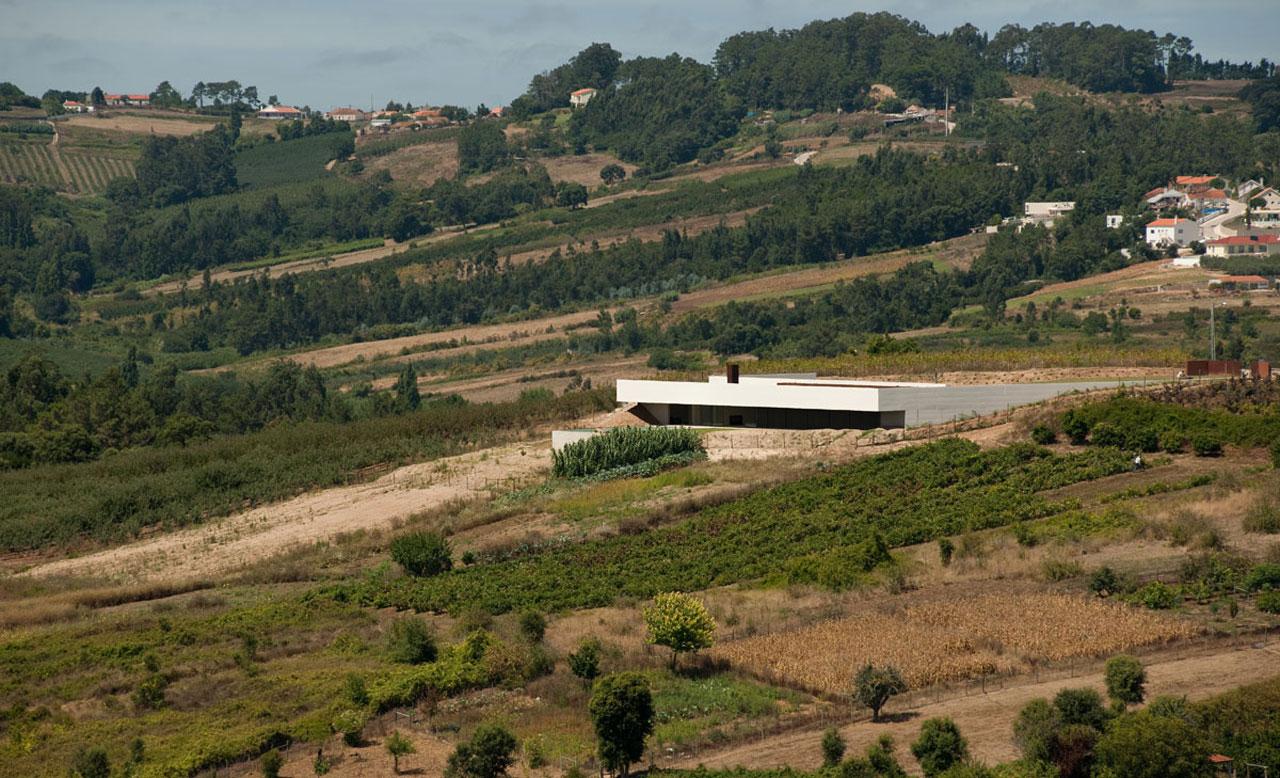 Casa em Alcobaça / Topos Atelier de Arquitectura, © Xavier Antunes