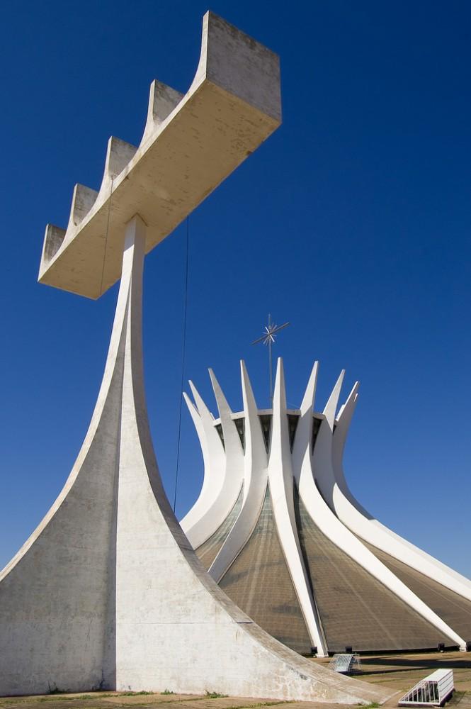 Clássicos da Arquitetura: Catedral de Brasília / Oscar Niemeyer, © flickr Christoph Diewald