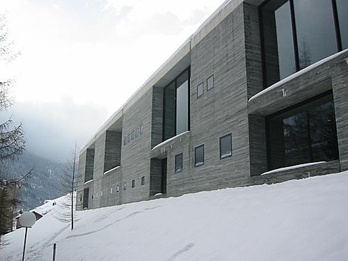 Clássicos da Arquitetura: Termas de Vals / Peter Zumthor, Exterior