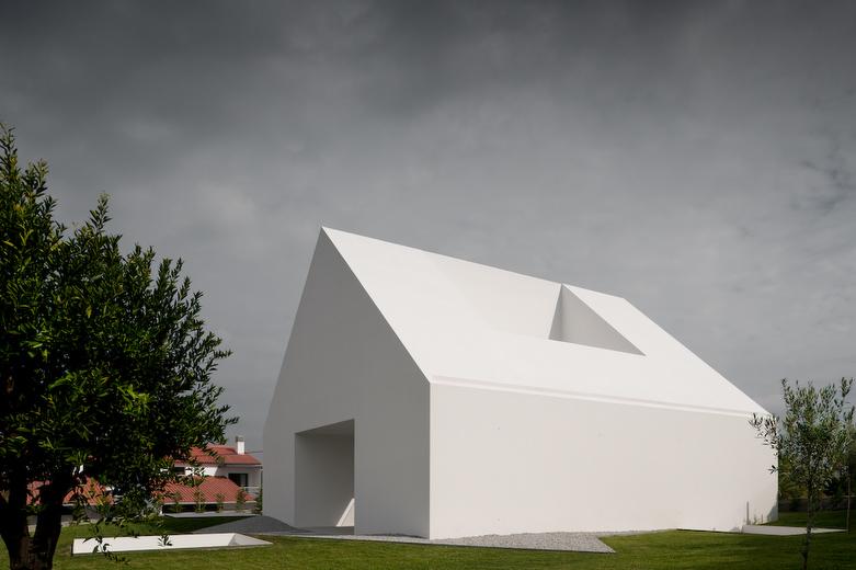 Casa em Leiria / Aires Mateus, © FG+SG – Fernando Guerra, Sergio Guerra