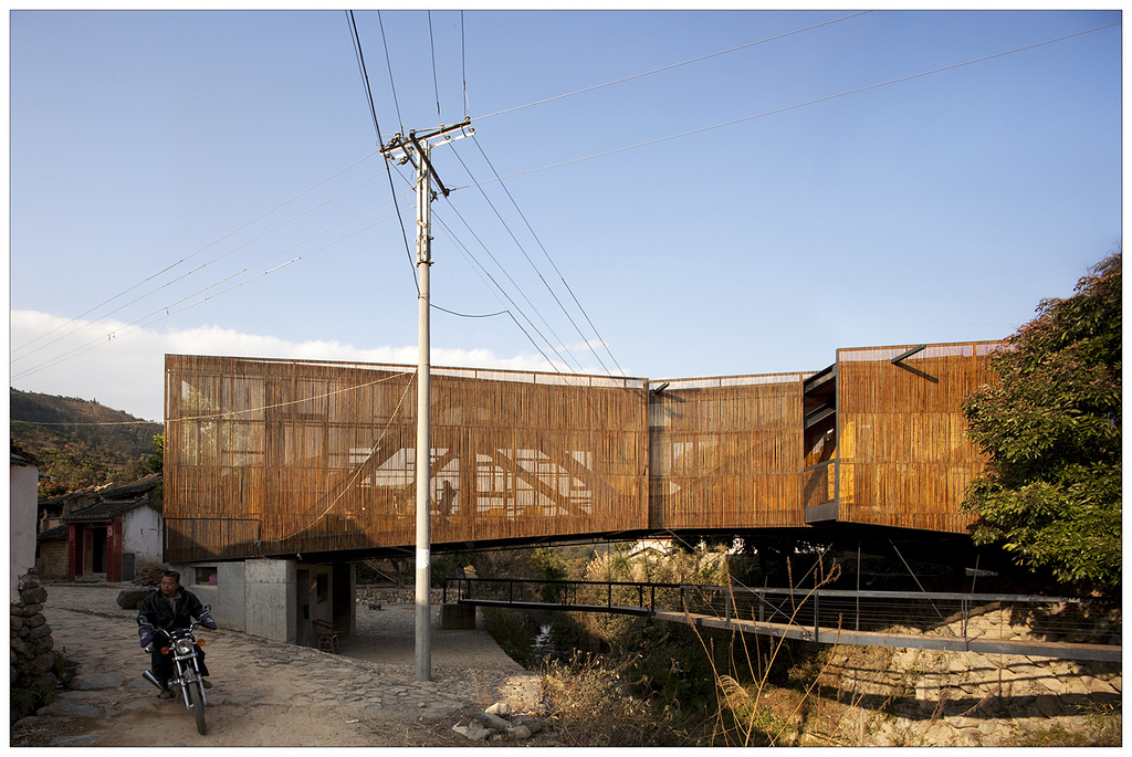 Escola-Ponte / Li Xiaodong Atelier, © Clément Guillaume