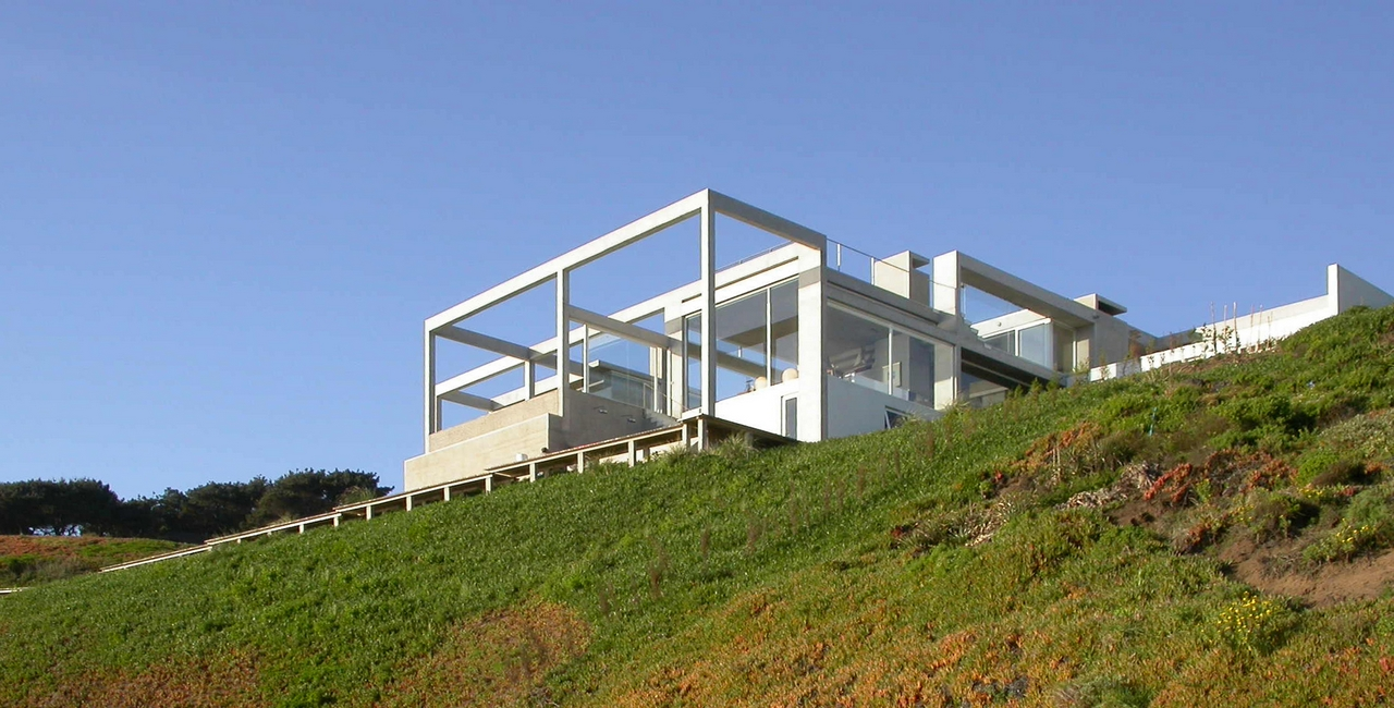 Casa de descanso em cachagua schmidt arquitectos for Casa de arquitectos