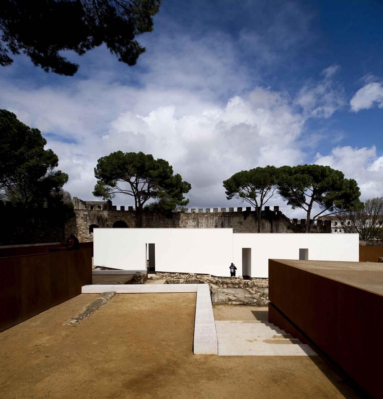 Musealização da Área Arqueológica da Praça Nova do Castelo de S. Jorge / Carrilho da Graça Arquitectos, © FG+SG – Fernando Guerra, Sergio Guerra