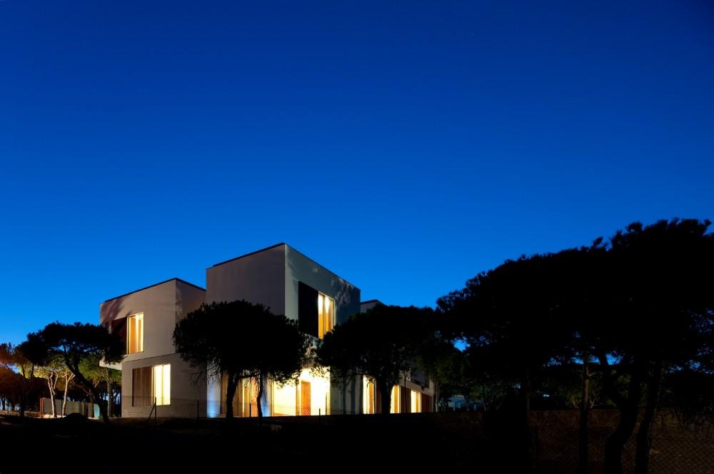Casa na Praia Verde / Nelson Resende Arquitecto, © FG+SG – Fernando Guerra, Sergio Guerra