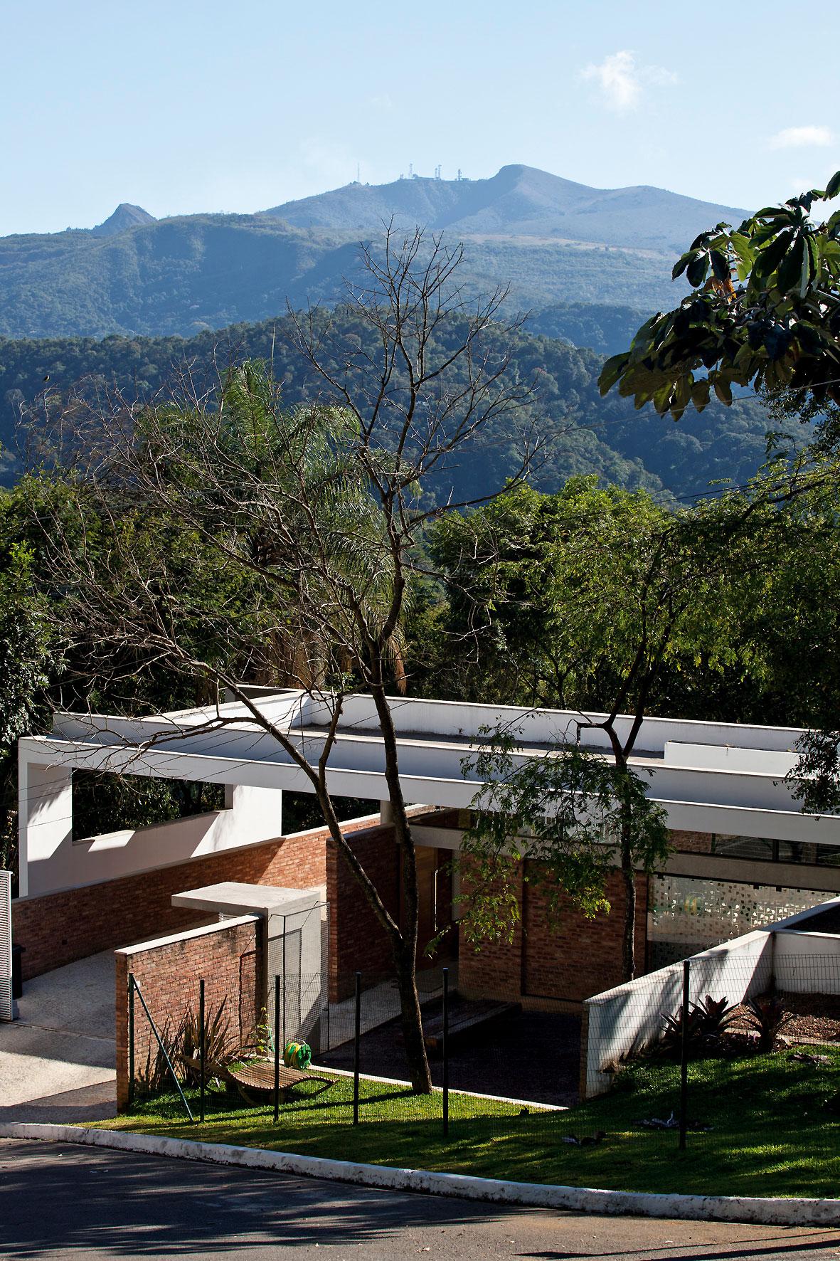 Casa no Vale das Araras / Arquitetos Associados, © Leonardo Finotti