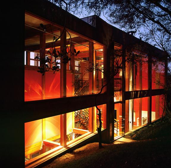 Casa Vila del Rey / Carlos M Teixeira (Vazio S/A), © Eduardo Eckenfels