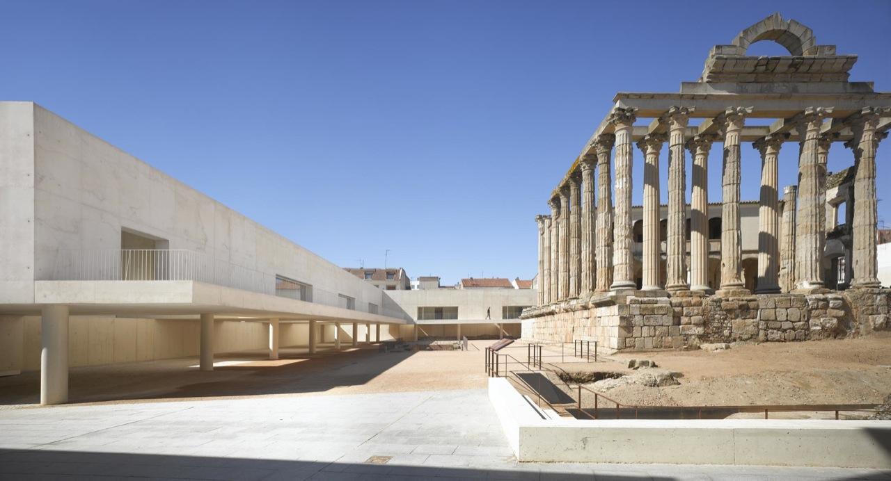 Templo de Diana / José María Sánchez García, © Roland Halbe